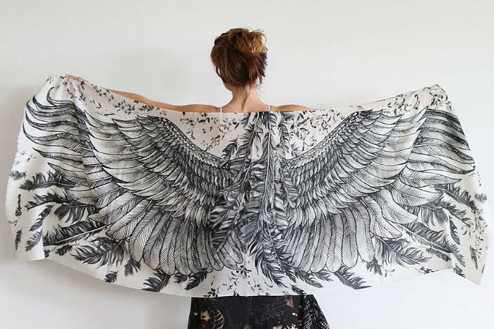В 2011 году появился собственный бренд художницы - Shovava, представленный женской одеждой с оригинальными принтами