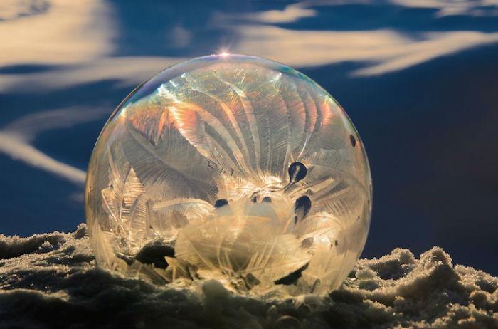 Потрясающей красоты мыльные пузыри, снятые на морозе