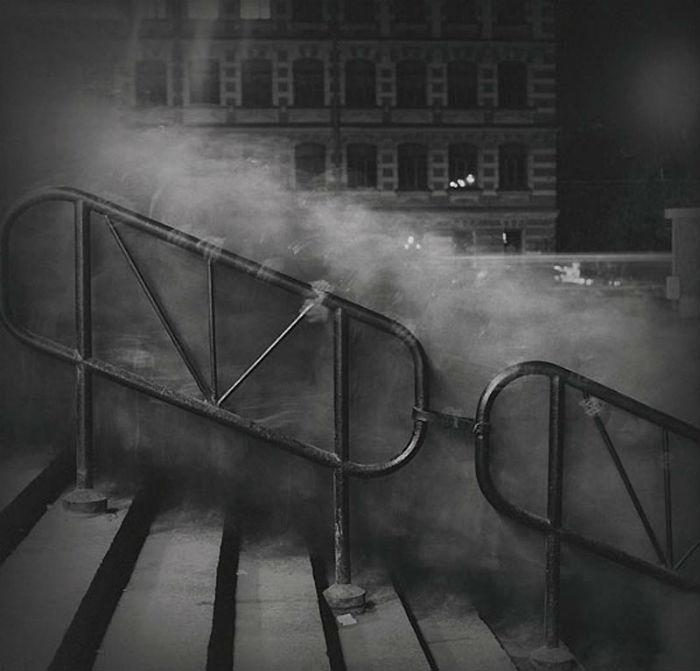 «Город теней»: впечатляющий цикл фотографий Алесксея Титаренко о Ленинграде 90-х