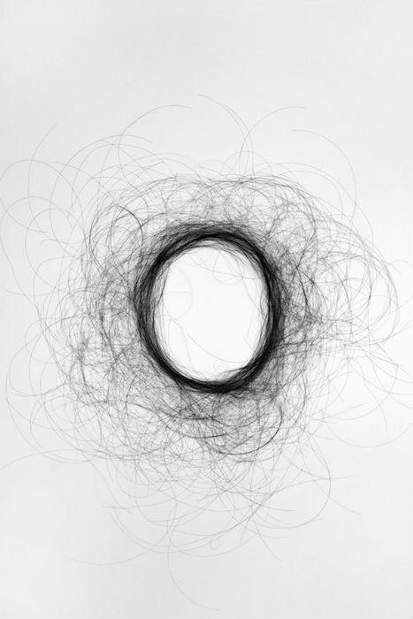 Учитывается структура волос, их густота и естественная динамика
