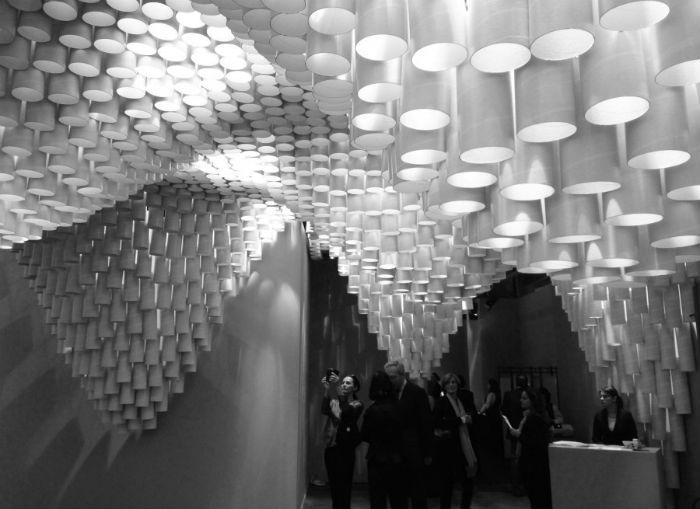 Архитектурная студия Кристины Парреньо совместно со студентами Массачусетского технологического института создала необычную световую установку.