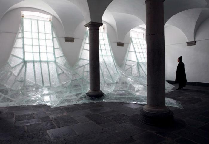 Инсталляция французского художника Батиста Дебомбура