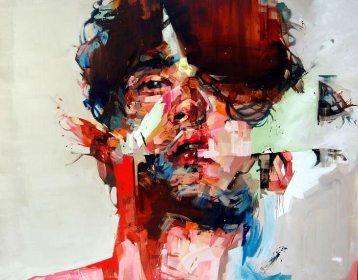 Помимо своей непосредственной творческой и выставочной деятельности, художник жертвует средства на благотворительность