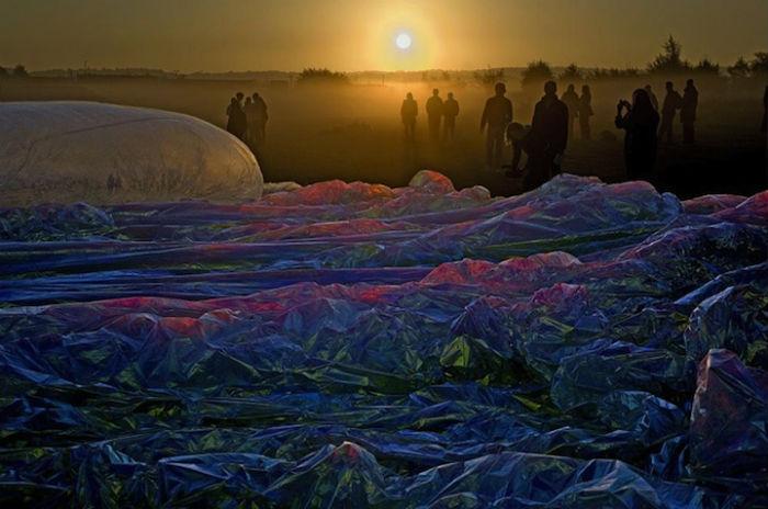 «Poetic Cosmos of the Breath» («Поэтичная вселенная дыхания») - оригинальная инсталляция немецкого художника