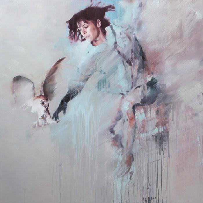 Картины Ерли, написанные масляными красками на традиционном холсте или поверх алюминиевых планок, надолго врезаются в память