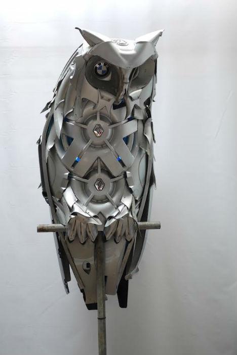 Вот уже более двенадцати лет Птолеми Эльрингтон делает потрясающие скульптуры из металлолома