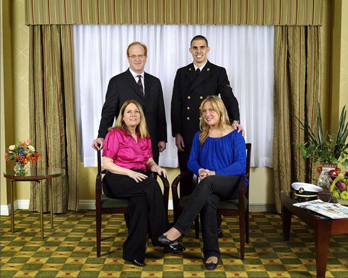 Джейми Даймонд Constructed Family Portraits