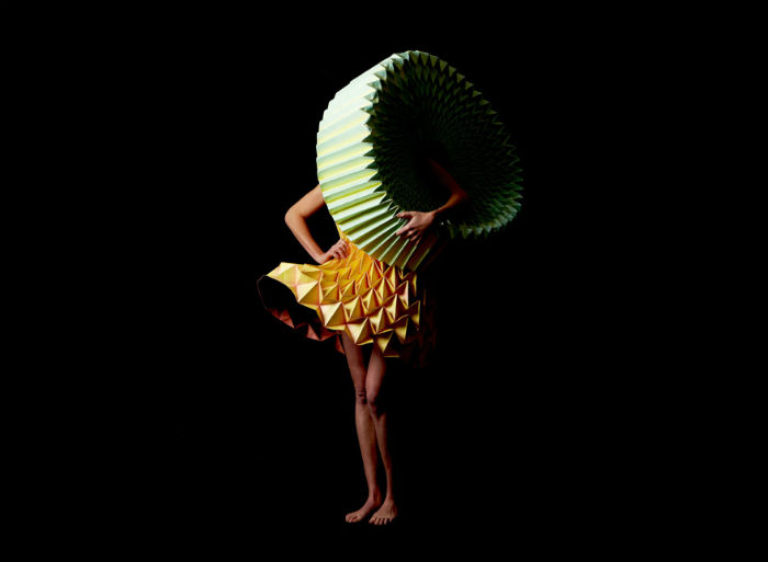 Работы художницы, вдохновлённые стилем баухаус и повседневной эстетикой, невероятно красивы и необычны