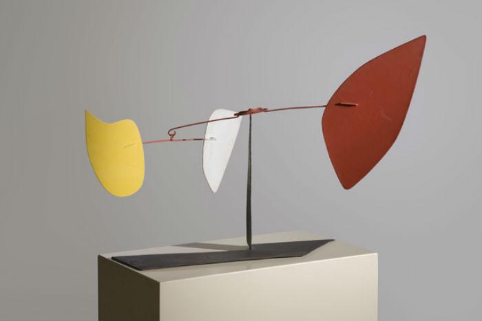 Скульптуры знаменитого Александра Колдера на выставке в Лос-Анджелесе