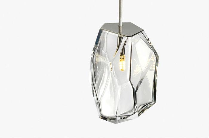 Оригинальные подвесные светильники в форме цветных кристаллов от французского дизайнера