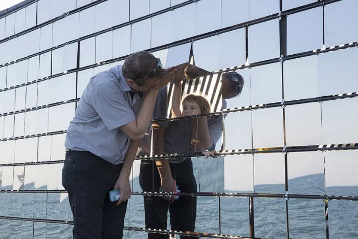 Для архитектурного фестиваля  Lively Architecture творческое объединение NAS architecture подготовило интерактивную инсталляцию Breath box