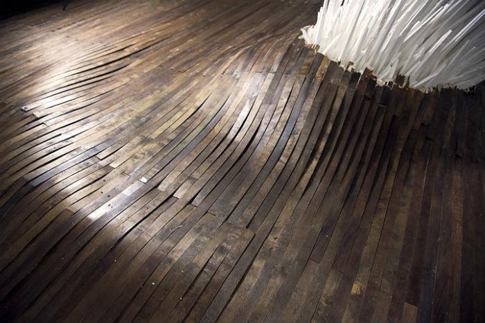 Композиция Джоната Латиано размещена в арт-центре «School 33 Art Center»