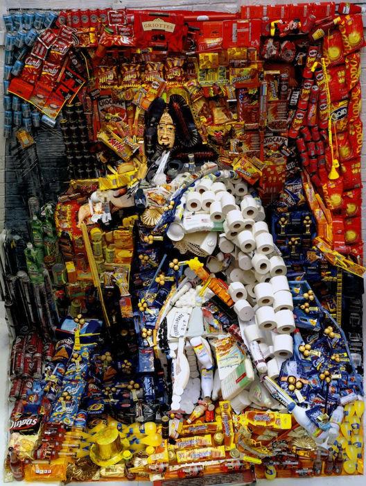 Портрет Людовика XIV из сладостей и туалетной бумаги