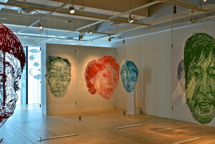 Оригинальные портреты Рисы Фукуи в технике киригами