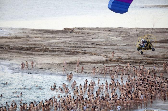 Впечатляющий перформанс американского фотографа в Израиле
