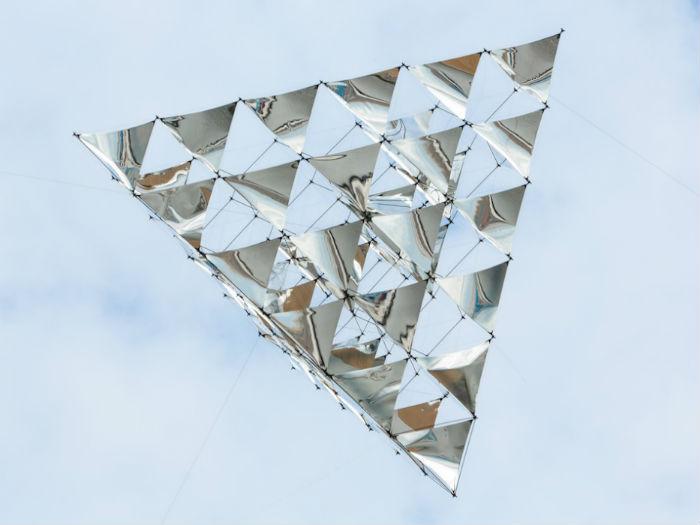 «Солнечный колокол» («Solar bell») – один из последних амбициозных проектов аргентинского художника и архитектора Томаса Сарацено