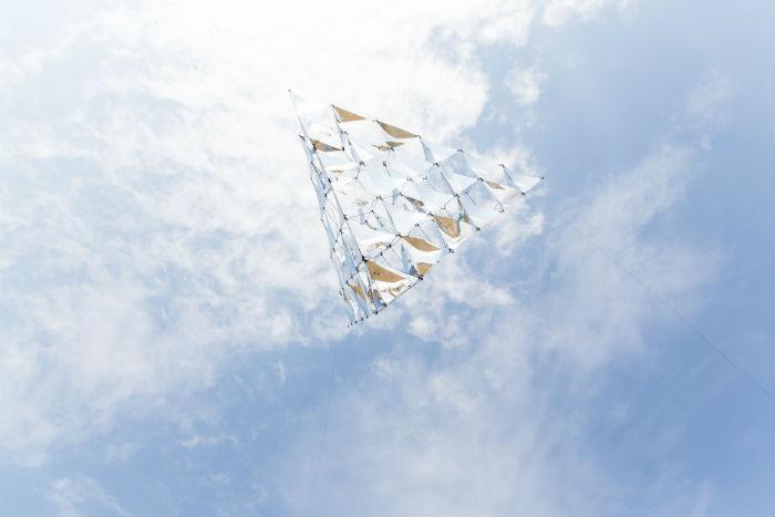 Солнечный колокол Томаса Сарацено в полёте