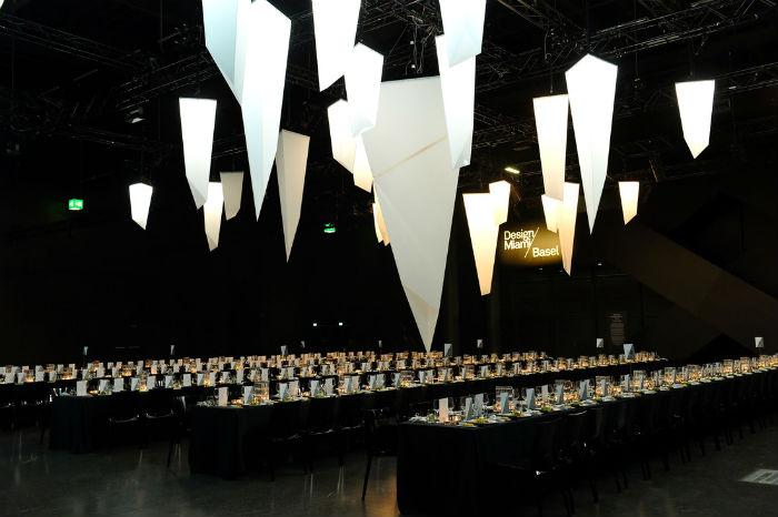 Серия интерактивных светильников Triangular Series («Треугольная серия») на международном дизайнерском форуме Design Miami/Basel