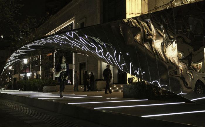Любопытная инсталляция в Шанхае