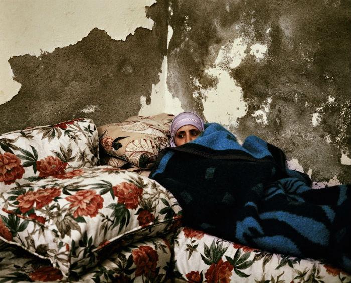 Оливье Кулманн вот уже несколько лет подряд фотографирует людей, занятых просмотром телевизора