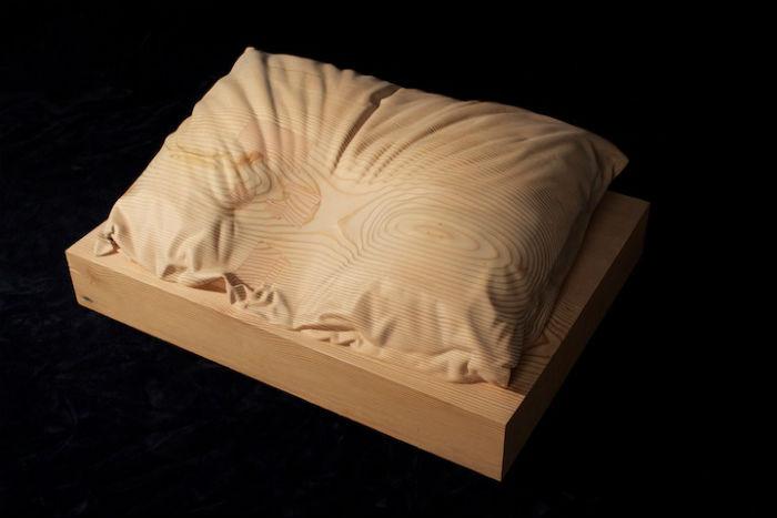 Деревянная подушка от Дэна Уэбба