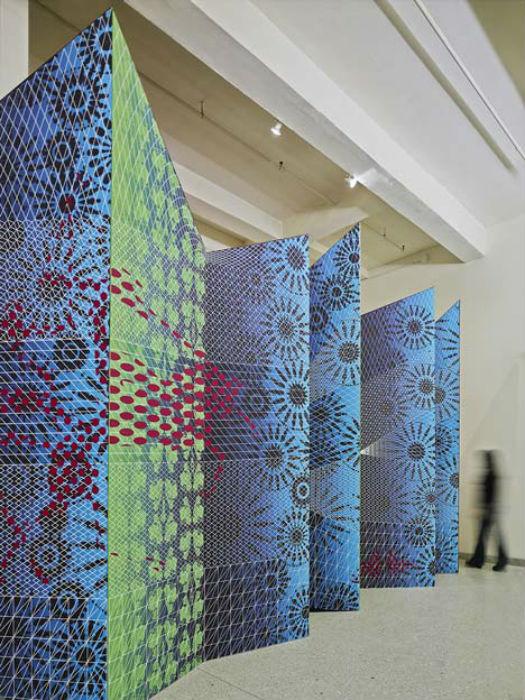 Дизайнер Игорь Сидикви (Igor Siddiqui) и его коллега Дебора Шнейдерман (Deborah Schneiderman) представили в Нью-Йорке совместный проект Zigzag