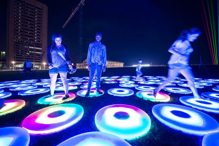 Потрясающее зрелище: фестиваль света AHA! в Кливленде