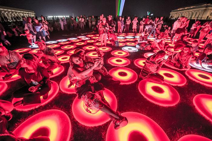 В американском Кливленде прошёл потрясающий фестиваль света AHA!