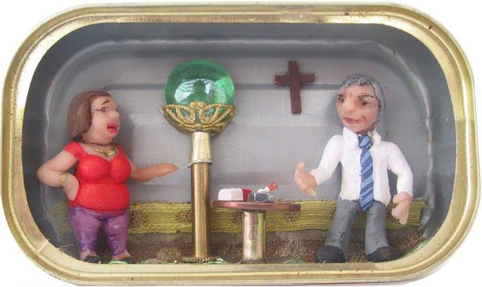 Особенно интересными эти миниатюры делает то, что помещаются они в обычные банки из-под сардин