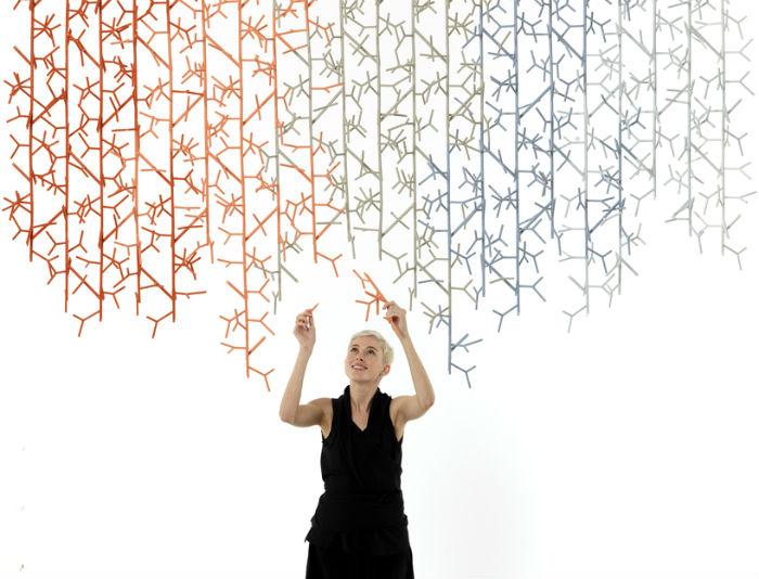 В рамках фестиваля дизайна  London Design Festival, британский дизайнер Бенджамин Хьюберт (Benjamin Hubert) представил оригинальную инсталляцию Amass