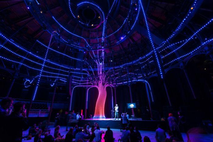 Световой перформанс Arboreal lightning от британского архитектурного бюро Atmos studio