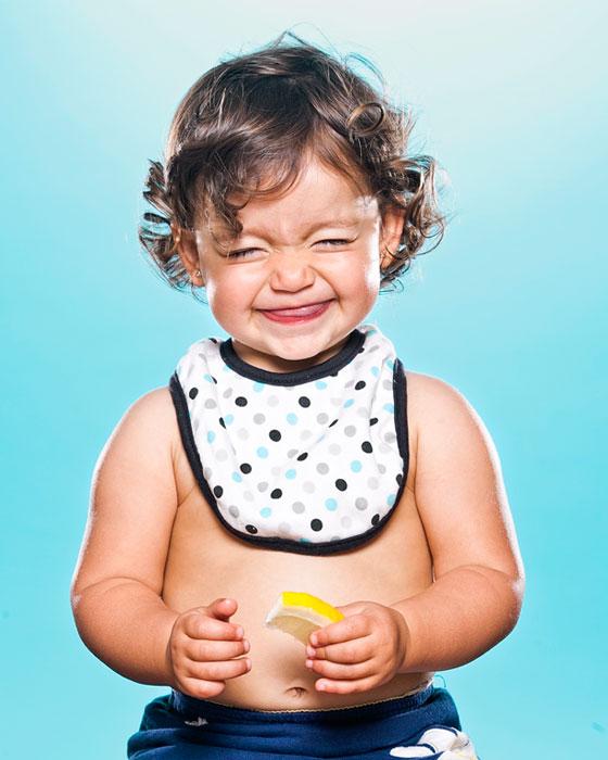Дети впервые пробуют лимон. Проект Puckler