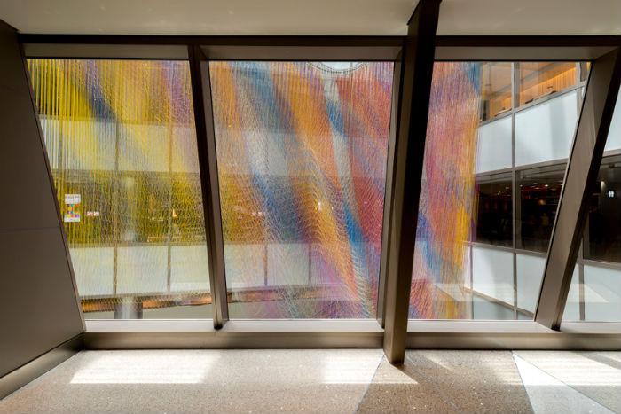 Подвесная инсталляция Air garden в аэропорту Лос-Анджелеса