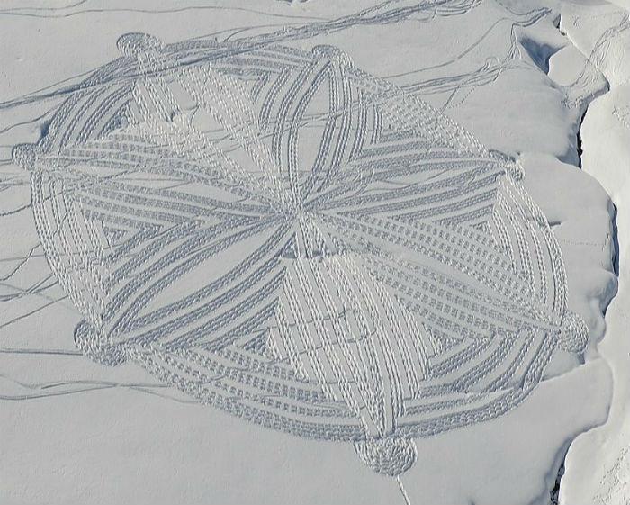 Снежные рисунки: творчество Саймона Бэка
