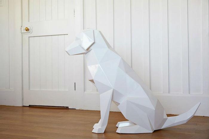 Мастер обходится без лишних деталей при создании образов животных, но при этом его произведения с легкостью эмулируют природные формы