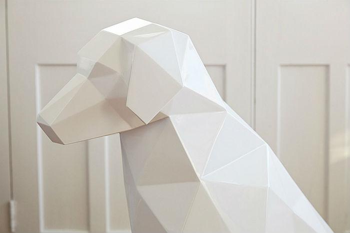 Несмотря на то, что мастер обходится без лишних деталей при создании образов животных, его произведения с легкостью эмулируют природные формы