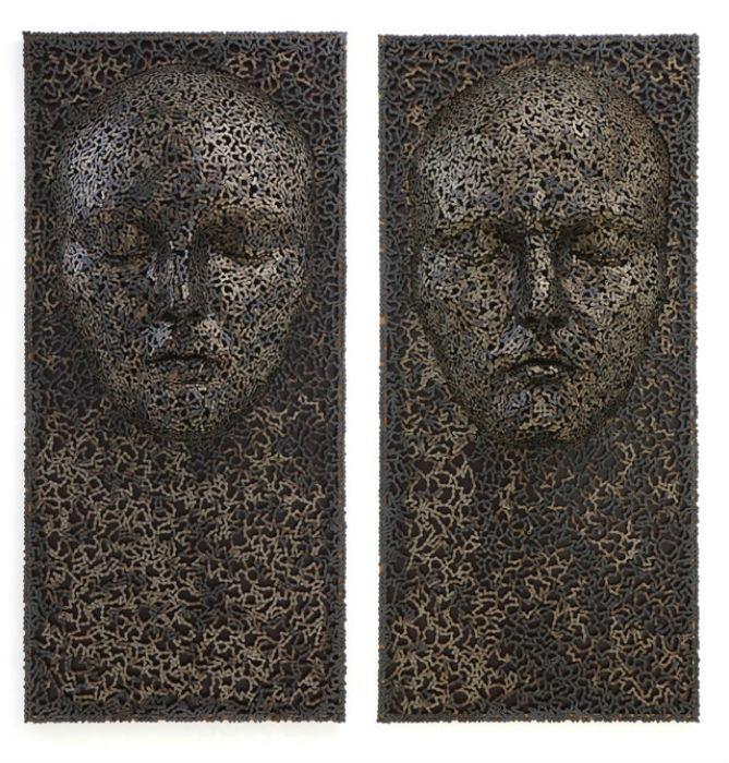 Художнику удается придать скульптурам разнообразные чувства и эмоции