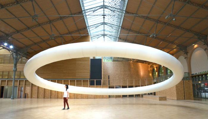 Гигантское кольцо Boreal halo: кинетическое искусство в исполнении французского художника
