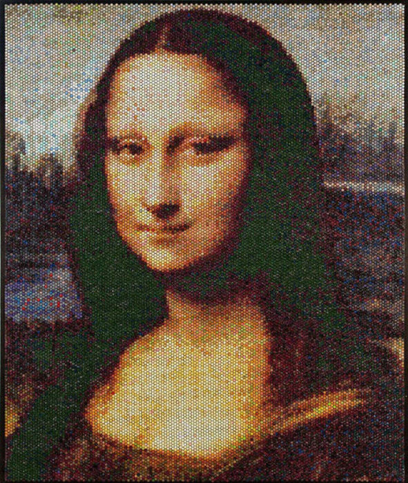 Основную часть работы художник назвал незамысловато — «Injections», что значит «вспрыскивания»