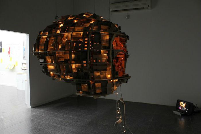 Арт-представление о работе собственного мозга от израильского художника