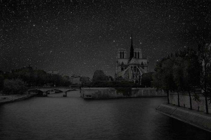 Париж в потрясающем проекте французского фотографа