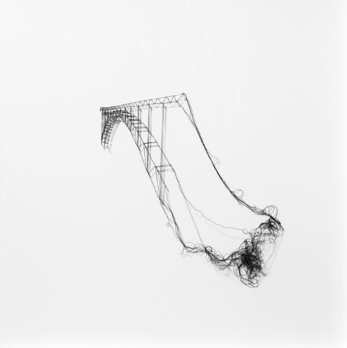 Одним из ее последних проектов стала серия работ на индустриальную тему из кружева.