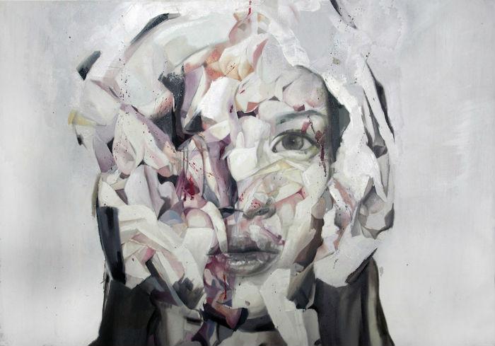 Работы художника, выполненные в оригинальной технике, полны жизни, экспрессии и движения.