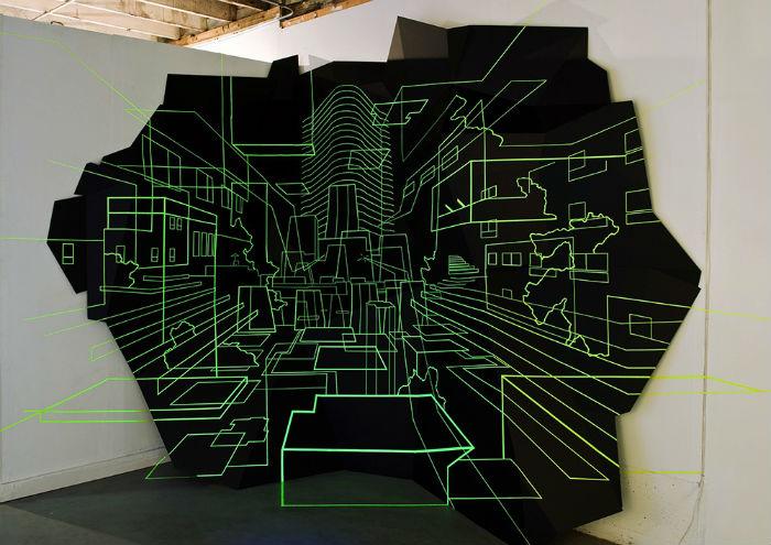 Художник подчиняет себе пространство посредством необычных инсталляций