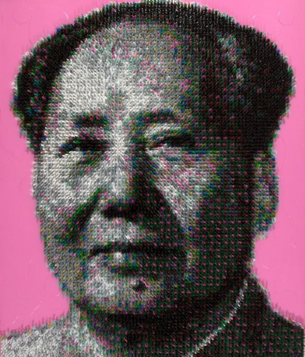 Портрет Мао Цзэдуна из солдатиков