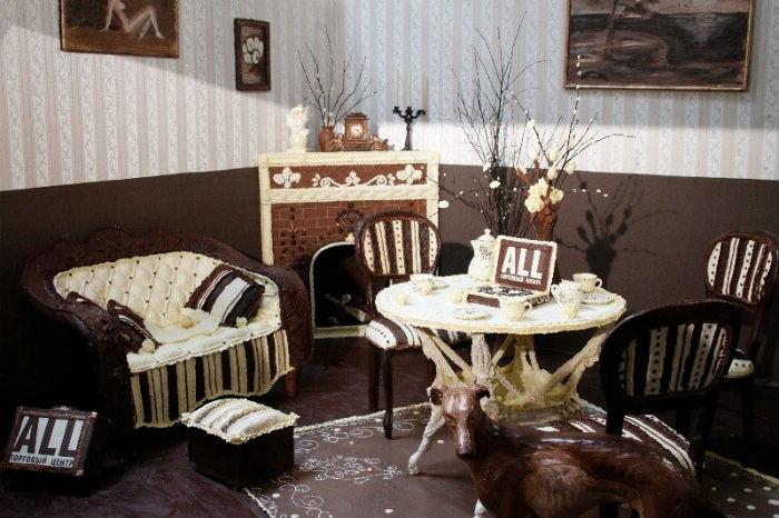 Cкульптор из Минска создала настоящую шоколадную комнату