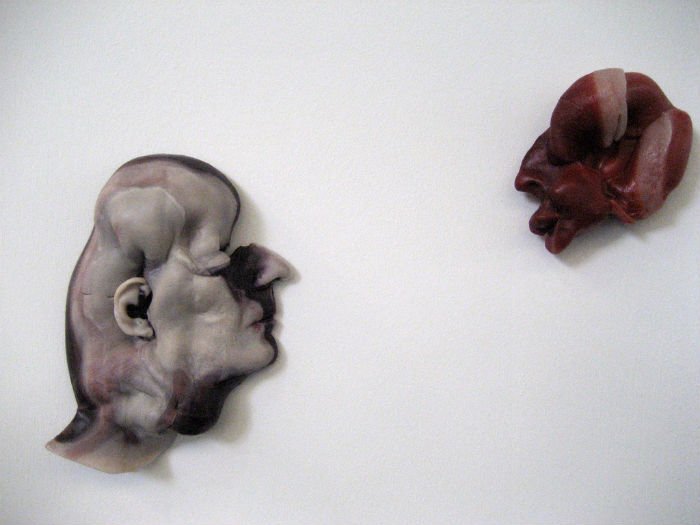 Человеческие головы из воска