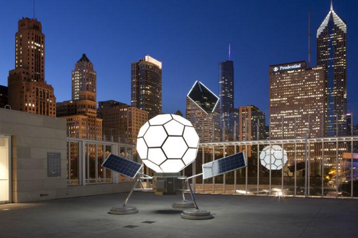 Пожалуй, самую большую известность Финчу принесла работа со световыми инсталляциями