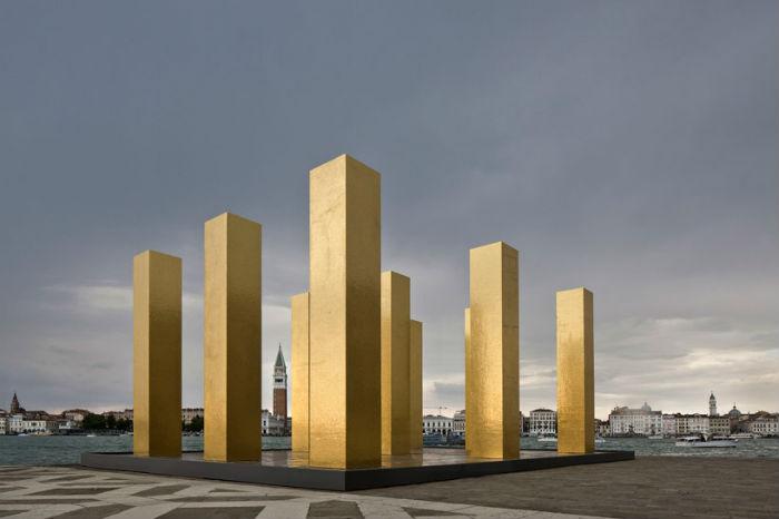 Скульптура Хейнца Мака в Венеции