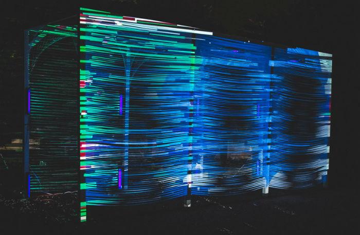 Инсталляция «Terminus» («Вокзал», «Станция») представляет собой  небольшой светящийся тоннель, по которому могут свободно перемещаться зрители